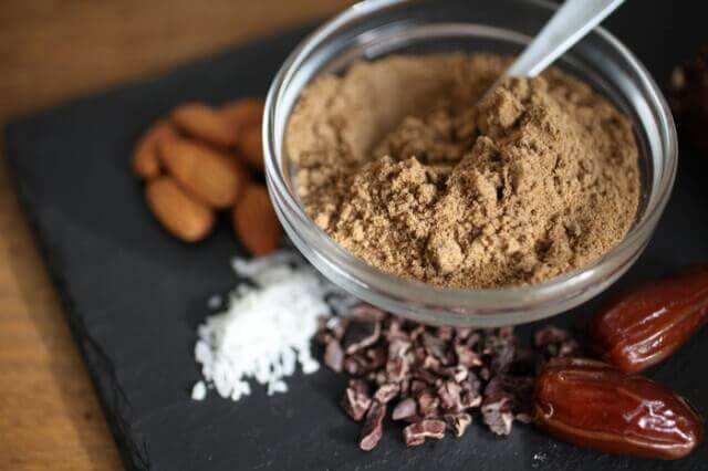 sport farina di grilli proteine (1)